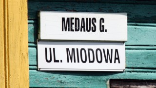 Another attack on bilingual street signs